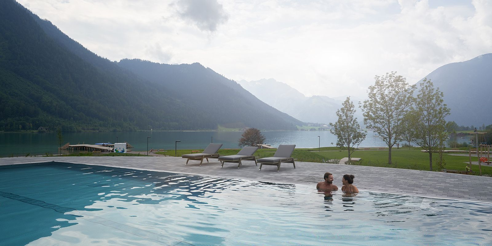 Atoll Achensee - panoramic POOL outdoor area @Achensee Tourismus