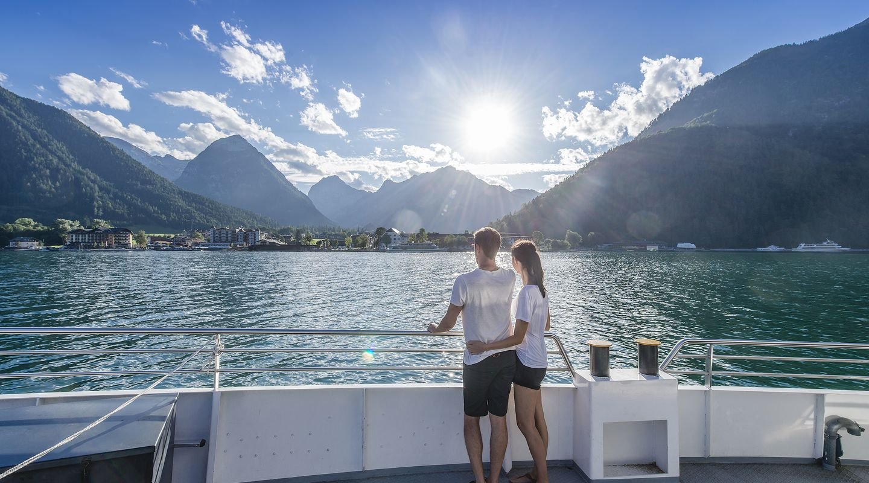 Schifffahrt bei Sonnenuntergang @Achensee Tourismus