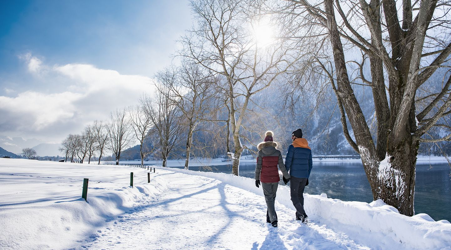 Winter hiking on the Achensee @Achensee Tourismus
