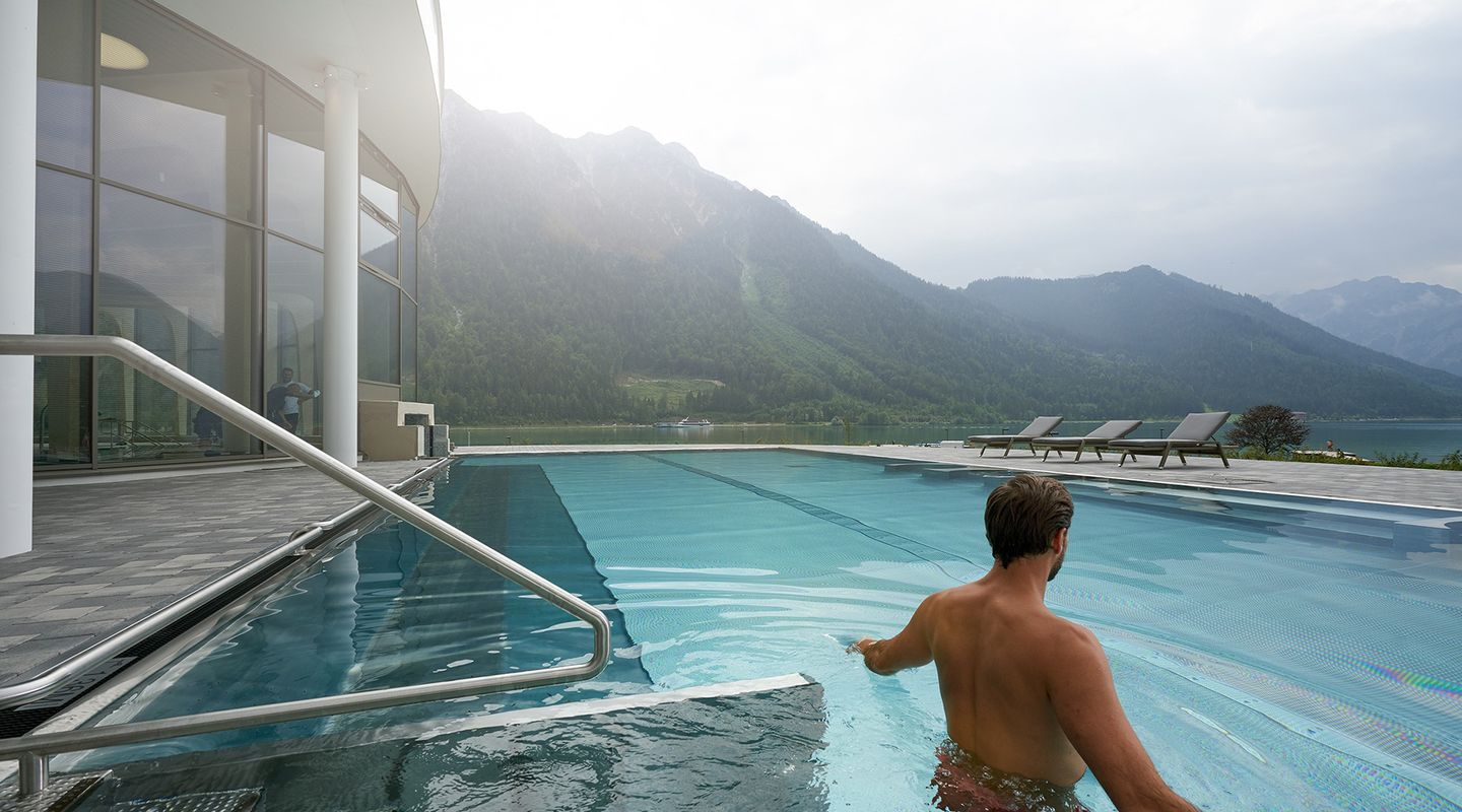 Atoll Achensee - panoramic outdoor POOL @Achensee Tourismus