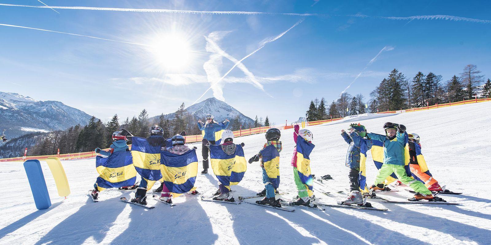 Kids auf der Skipister @Achensee Tourismus